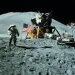 Canvas 0200 40×40 moon landing
