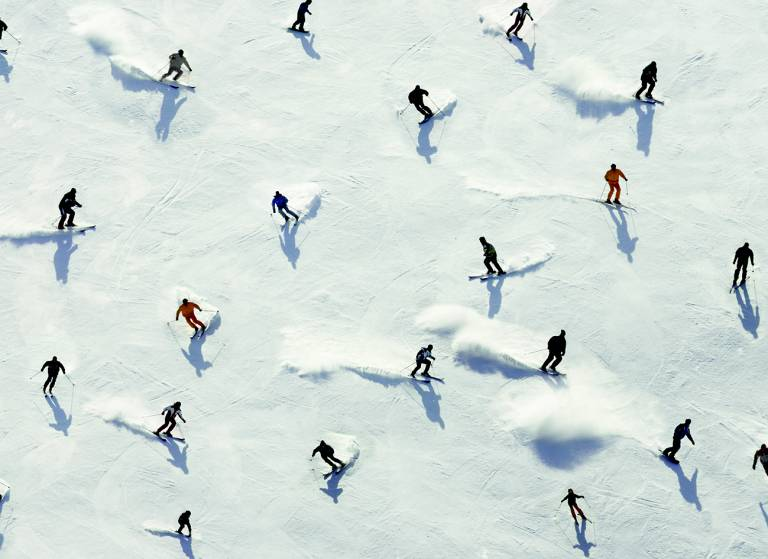Canvas 0276 80×110 skiers